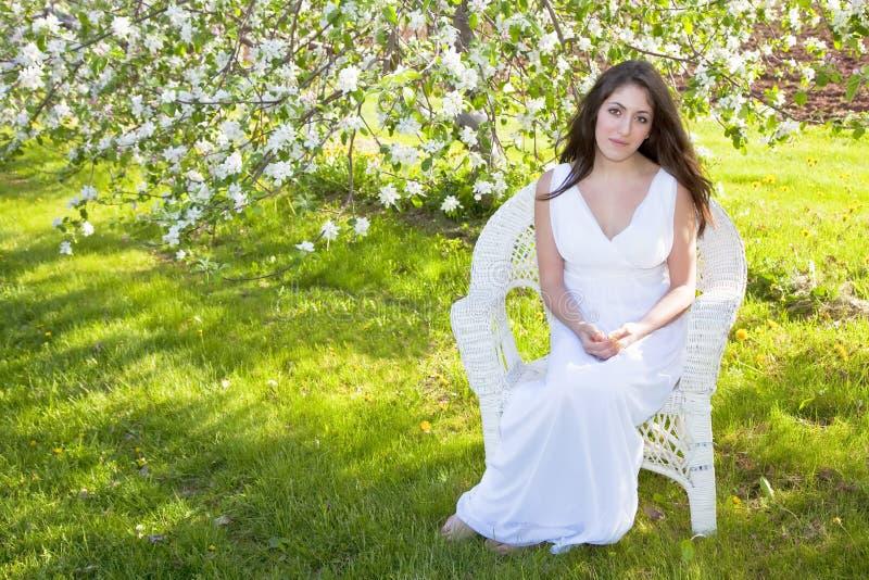 De Vrouw van de Bloesem van de appel royalty-vrije stock foto