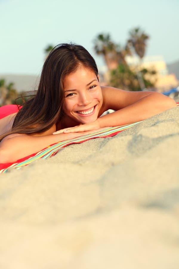 De vrouw van de de vakantiezomer van het strand royalty-vrije stock fotografie