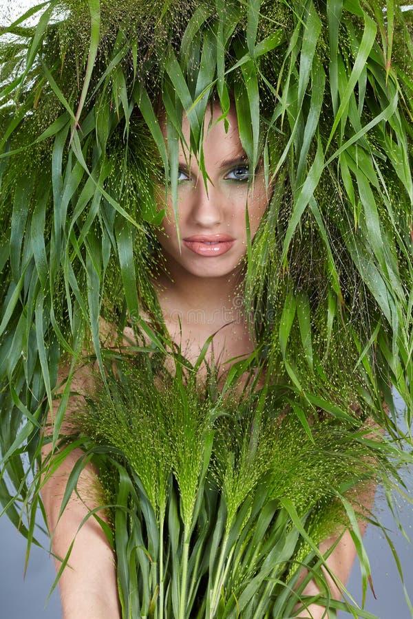 De vrouw van de ecologie royalty-vrije stock afbeeldingen