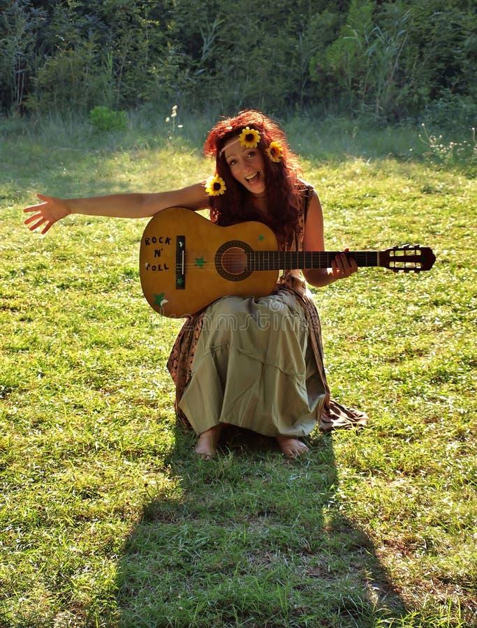 De vrouw van de hippie