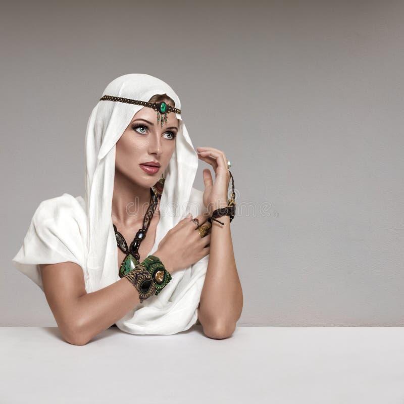 De vrouw van de manier royalty-vrije stock afbeeldingen