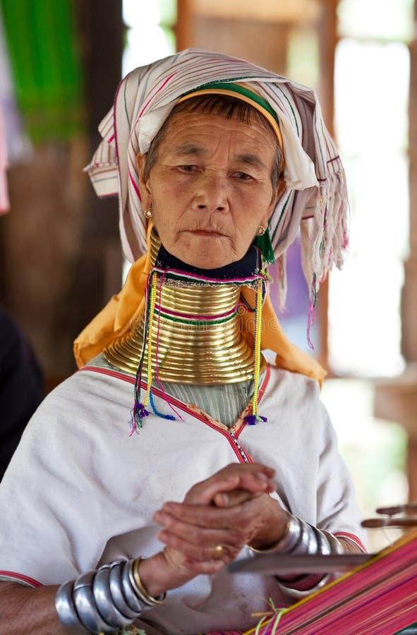 De vrouw van de Stam van Padaung stock fotografie
