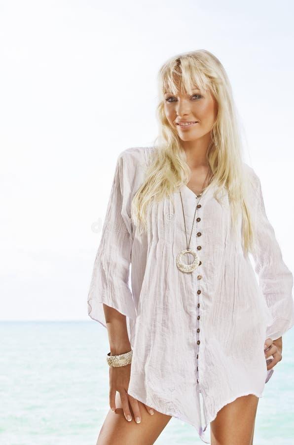 De vrouw van het strand royalty-vrije stock foto