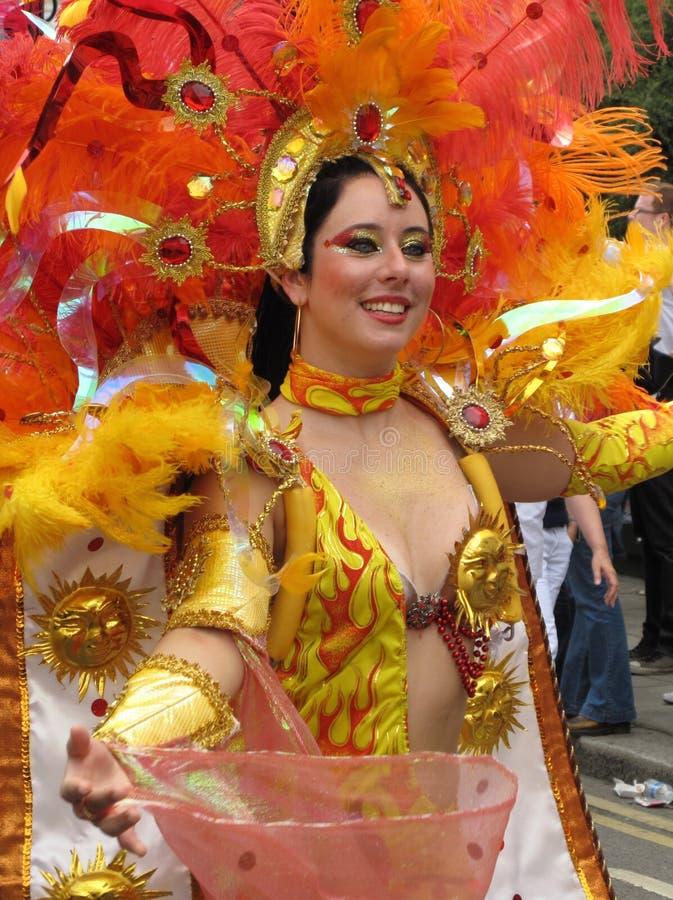 De vrouwelijke uitvoerder Londen, Engeland van Carnaval van de Nottingsheuvel royalty-vrije stock fotografie
