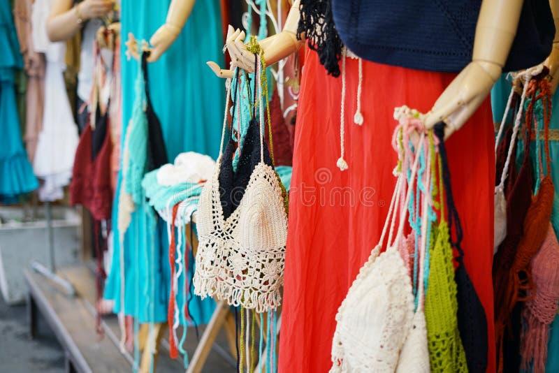 De vrouwen haken swimwear bikinireeks of het Gehaakte bewerkte badpak van het hippiezwempak voor verkoop bij kledingsopslag in Ch royalty-vrije stock foto