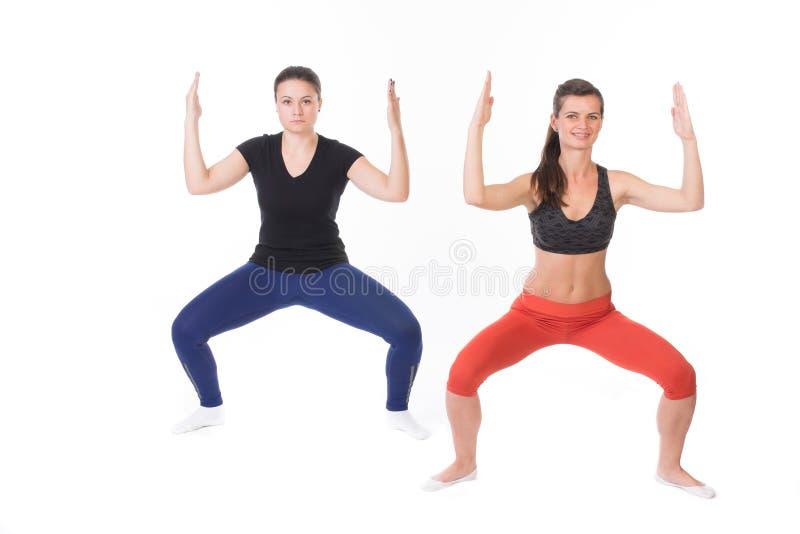 Download De Vrouwen In Hetzelfde Stellen Stock Foto - Afbeelding bestaande uit achtergrond, energie: 54079444