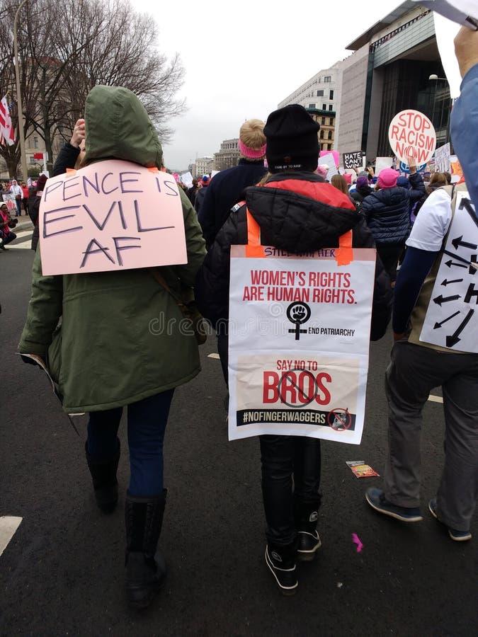 De vrouwen ` s Maart, de Weg van Pennsylvania, de Unieke Affiches en de Tekens, Pence zijn Kwaad, Washington, gelijkstroom, de V. royalty-vrije stock afbeeldingen