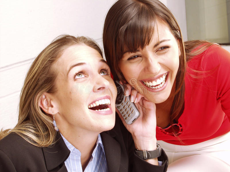 De vrouwen telefoneren. royalty-vrije stock afbeeldingen