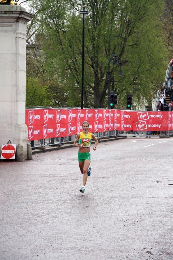 De vrouwen van de de marathonelite van Londen stock afbeeldingen