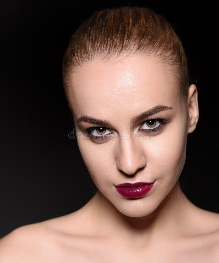 De vrouwenportret van de manier Modieuze Make-up, Schoonheid royalty-vrije stock foto