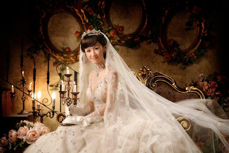 De vrouwenportret van het huwelijk stock afbeelding