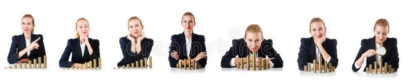 De vrouwenzakenman met muntstukken op wit stock fotografie