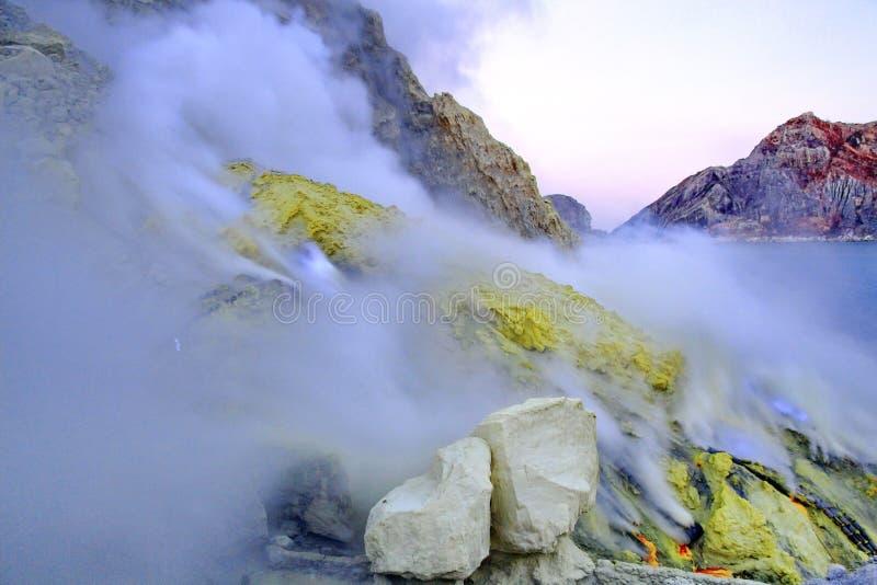 De vulkaan van Ijen van Kawah, Java, Indonesië royalty-vrije stock foto's