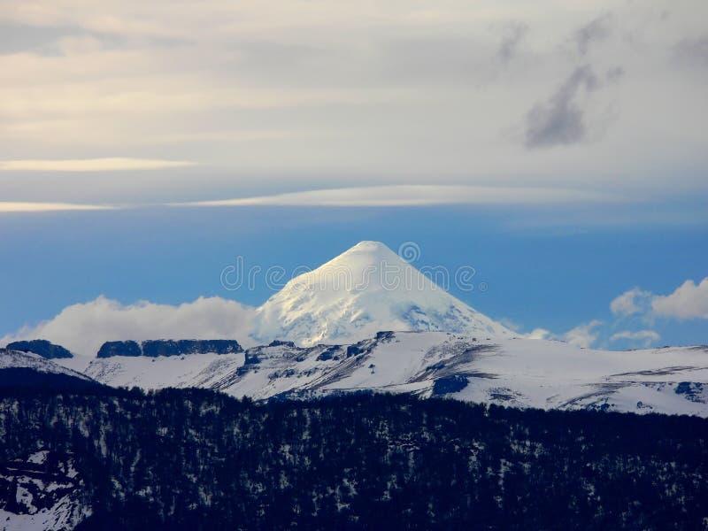 De vulkaan van Lanin royalty-vrije stock afbeeldingen