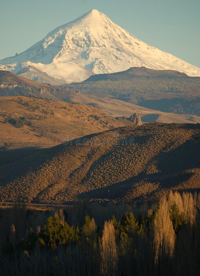 De vulkaan van Lanin, Patagonië royalty-vrije stock afbeeldingen