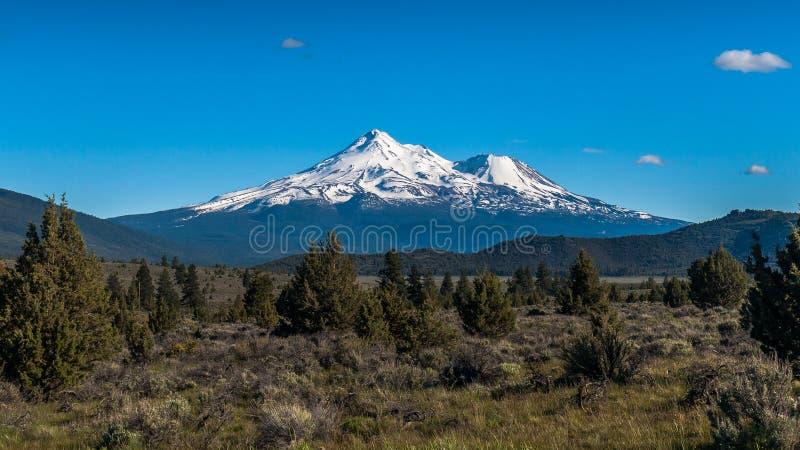 De vulkaan van MT Shasta royalty-vrije stock foto