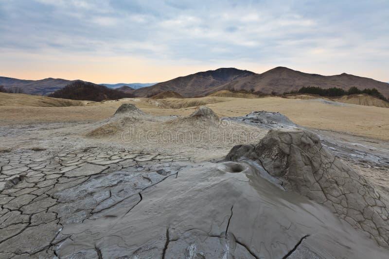 De Vulkanen van de modder in Buzau, Roemenië stock foto's