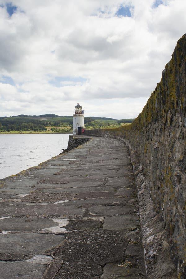 De vuurtoren in Loch Fyne stock afbeelding