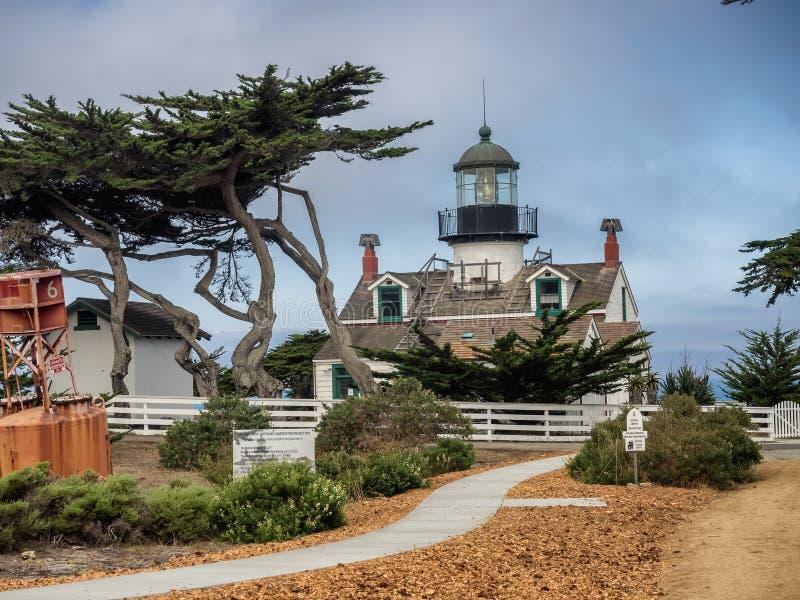 De Vuurtoren Monterey, Californië van puntpinos stock foto