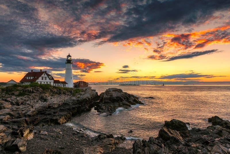 De Vuurtoren van Portland bij zonsopgang, Maine, de V.S. stock afbeelding