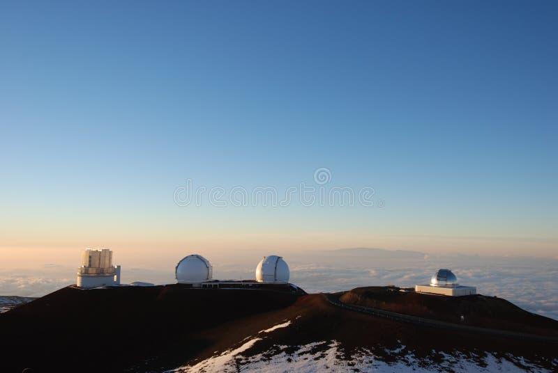 De Waarnemingscentra van Keck bij zonsondergang stock afbeelding