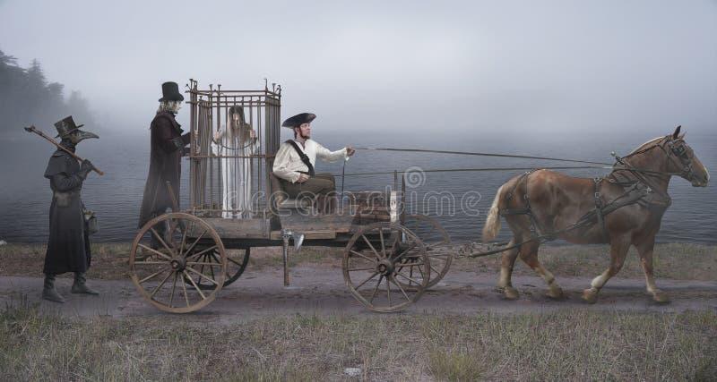 De wacht, koetsier en plaag artsenescorte de gearresteerde heks Kooi voor het vervoer van gevangenen stock afbeelding