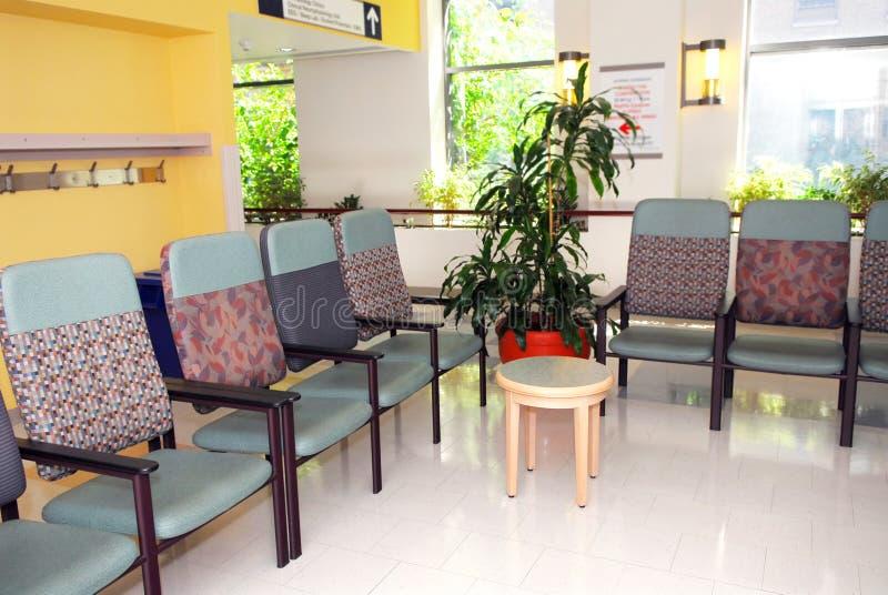 De wachtkamer van het ziekenhuis
