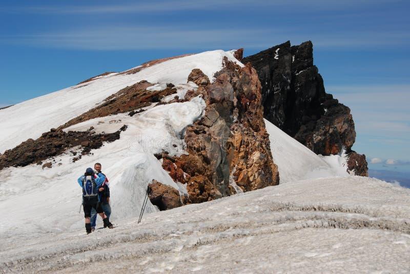 De wandeling zet Ruapehu op stock fotografie