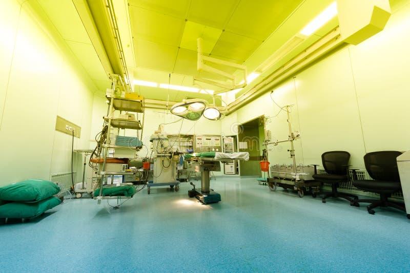 De warme ruimte van de het licht-onbeheerd-ziekenhuisverrichting stock fotografie