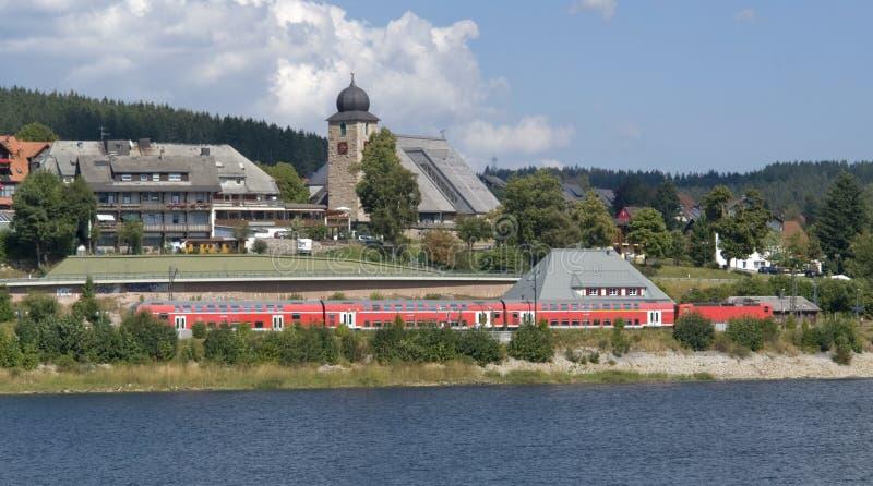 De waterkantlandschap van Schluchsee royalty-vrije stock foto
