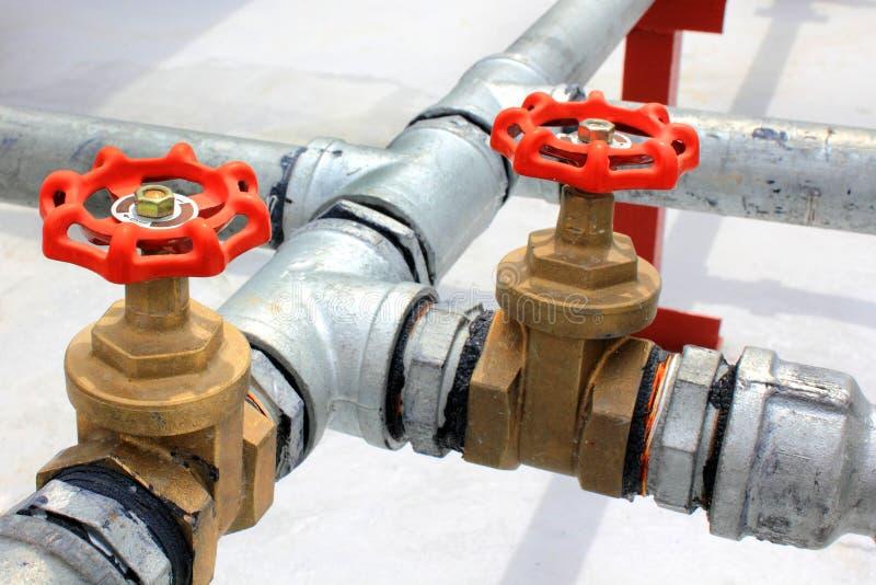De waterpijpen van het metaal stock foto