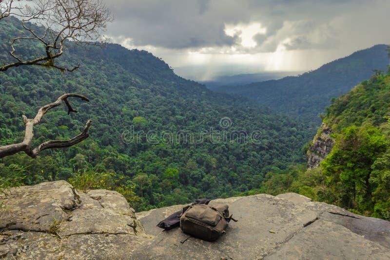 De waterval begint hier. Laos stock afbeelding