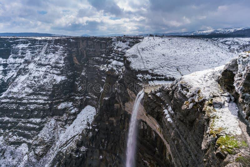 De waterval natuurlijk monument van Delikanervion, in de winter, Baskische Cou royalty-vrije stock foto