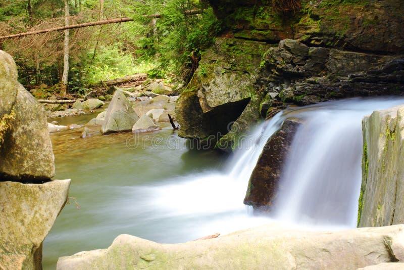 De waterval van de Karpaten royalty-vrije stock foto