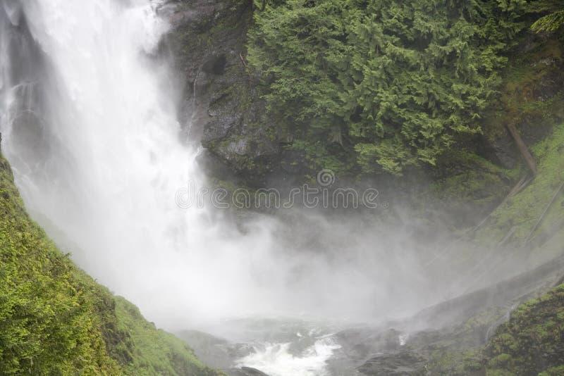 De waterval van de waterdaling stock afbeeldingen