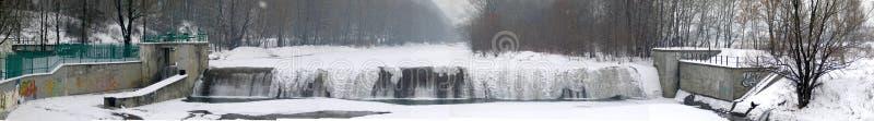 Download De waterval van de winter stock afbeelding. Afbeelding bestaande uit scène - 291683