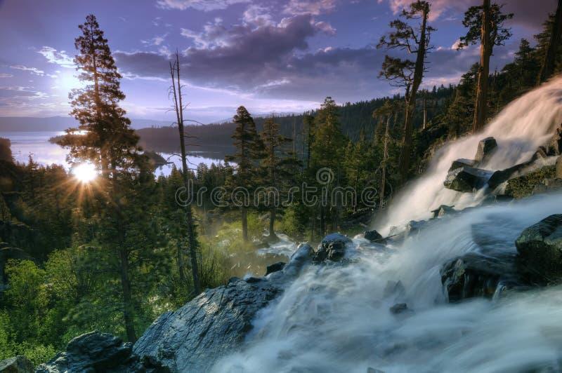 De waterval van de zonsopgang stock fotografie