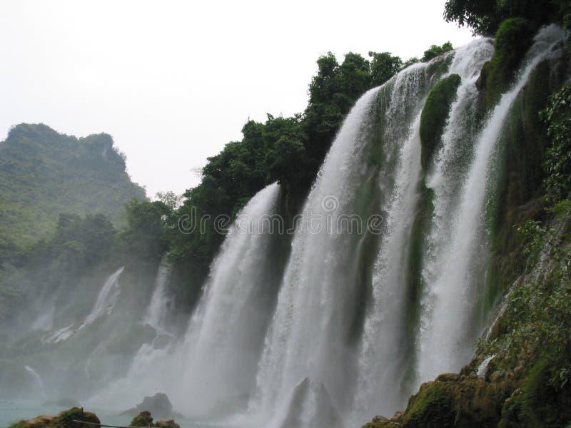 De waterval van Gioc van het verbod, Vietnam stock foto's