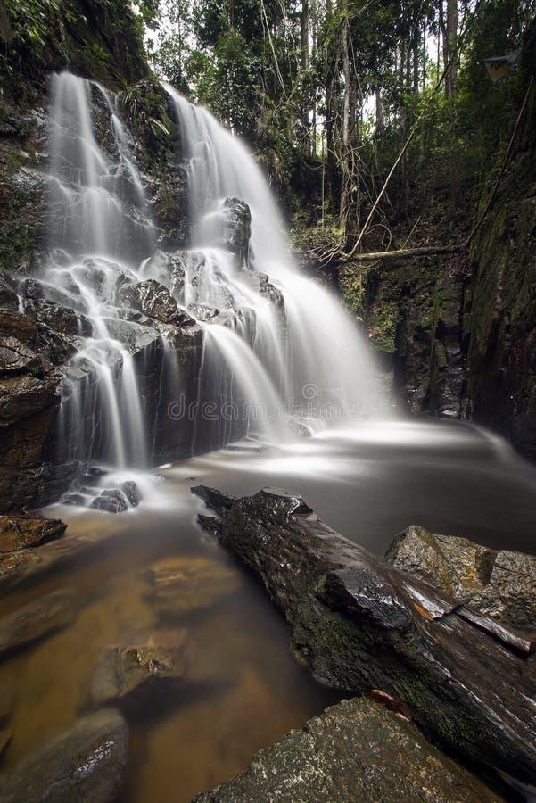 De Waterval van Guruhgemurai, Riau, Sumatera, Indonesië stock foto