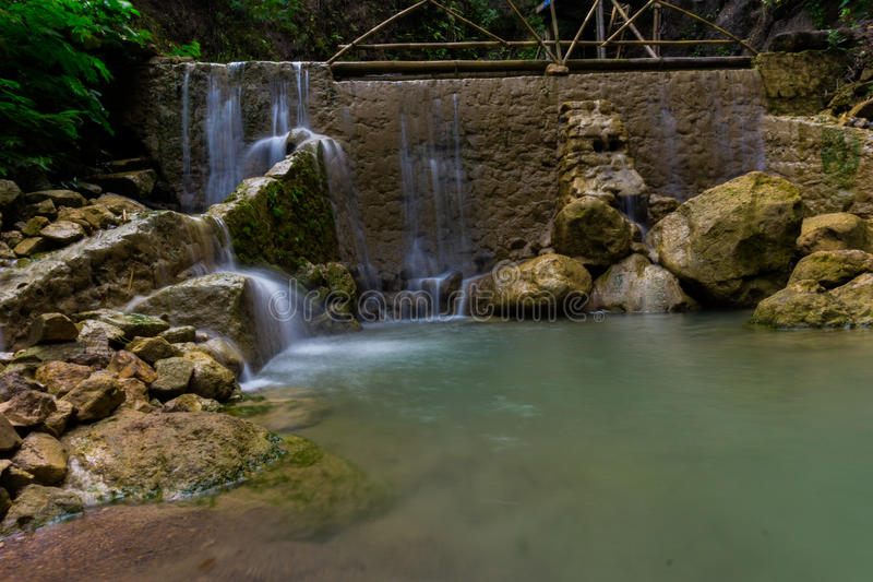De Waterval van Kedungpedut stock afbeeldingen