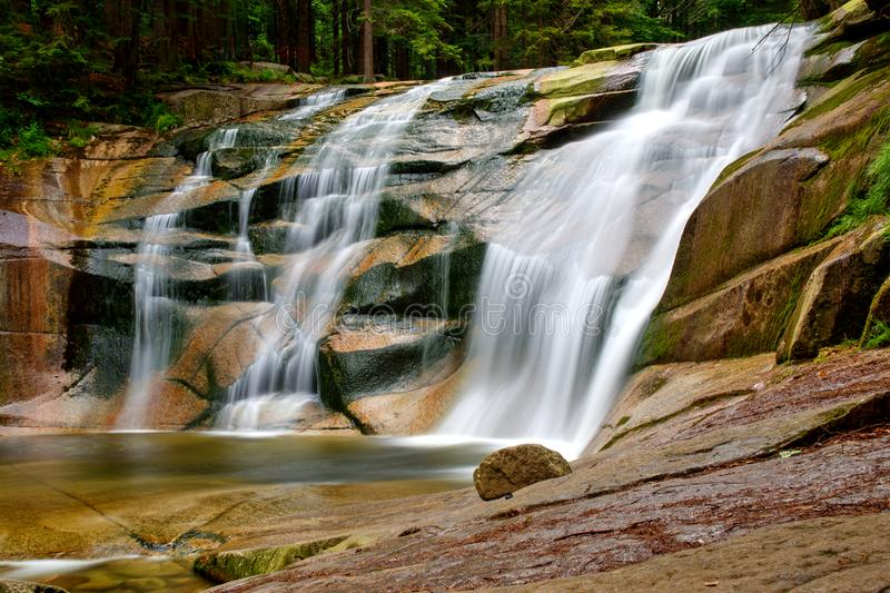 De waterval van Mumlava stock foto's