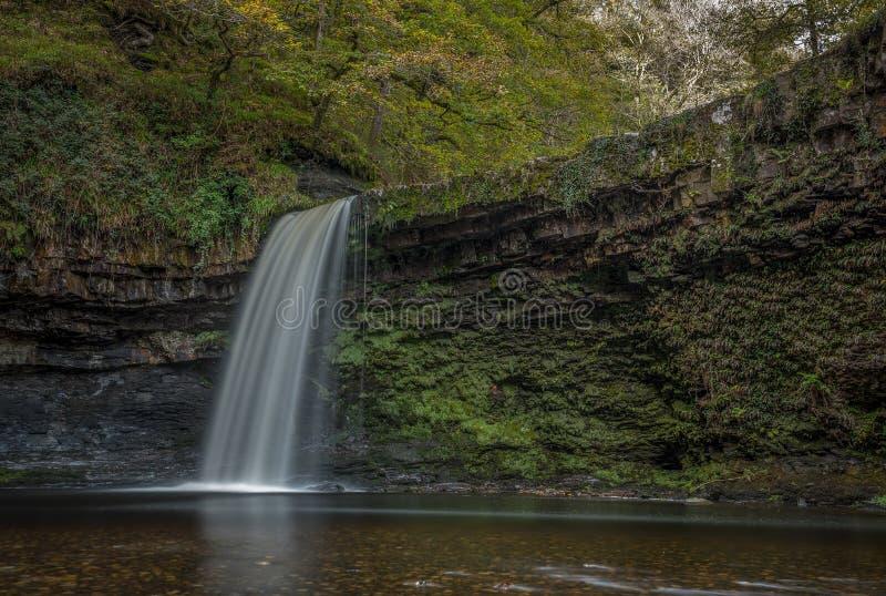 De waterval van Sgwdgwladys in de Brecon-Bakens stock foto