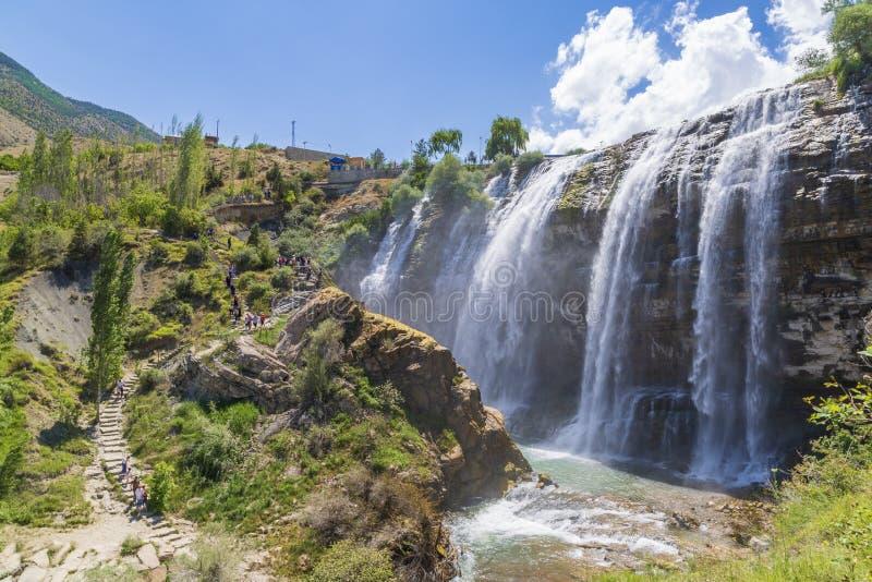 De waterval van Tortumuzundere van de kant in Uzundere, Erzurum, Turkije royalty-vrije stock afbeeldingen