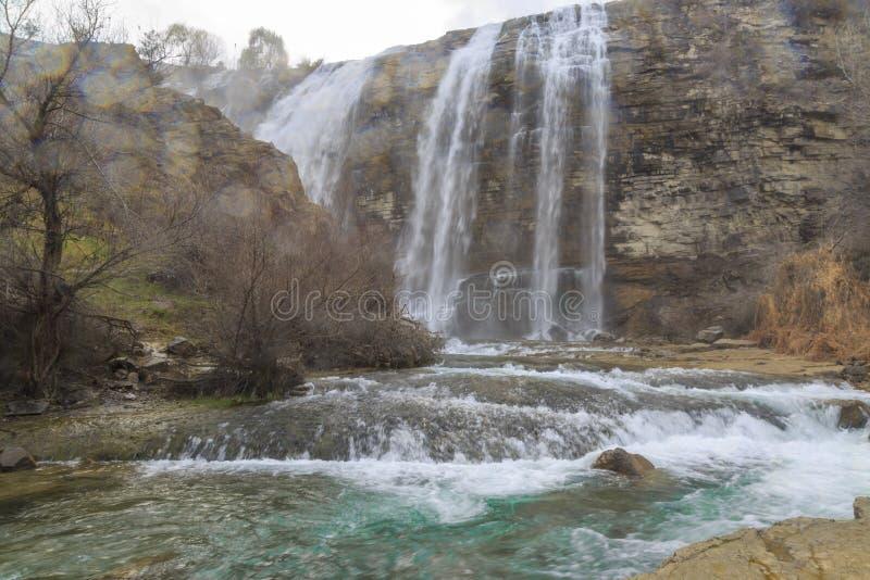 De waterval van Tortumuzundere van neer in Uzundere, Erzurum royalty-vrije stock afbeelding