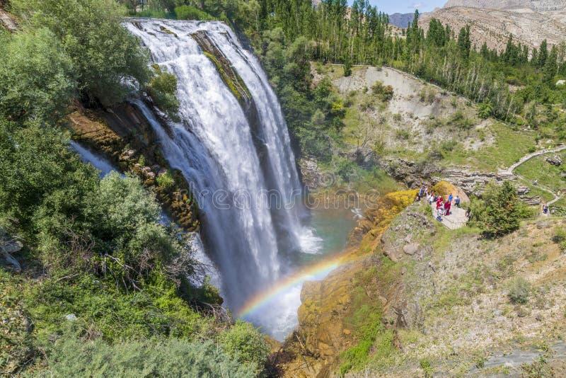 De waterval van Tortumuzundere vanaf bovenkant tijdens zomer in Erzurum, Turkije stock foto