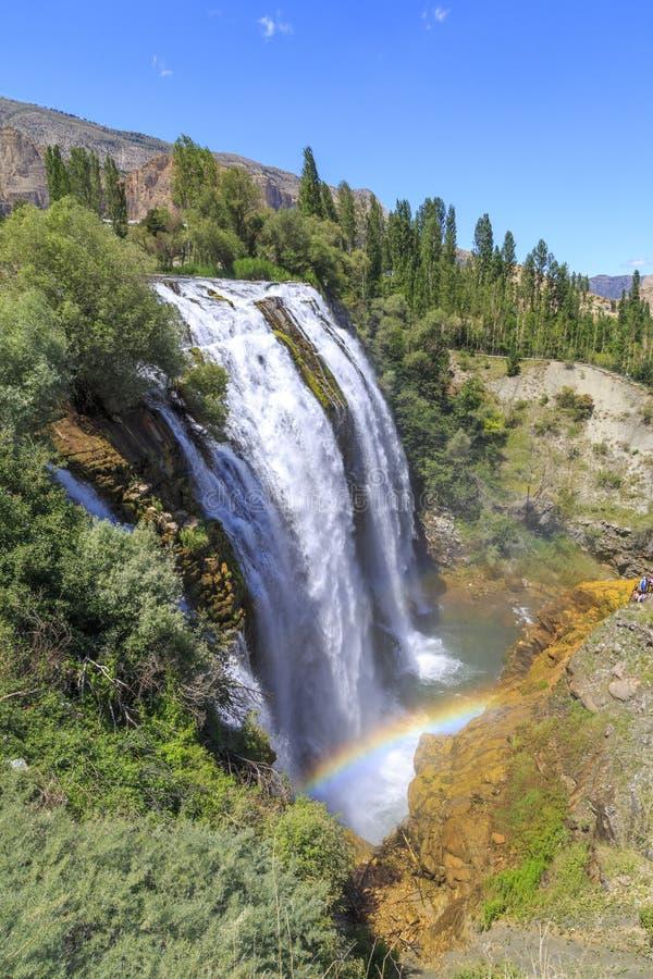 De waterval van Tortumuzundere vanaf bovenkant tijdens zomer in Erzurum, Turkije royalty-vrije stock foto's