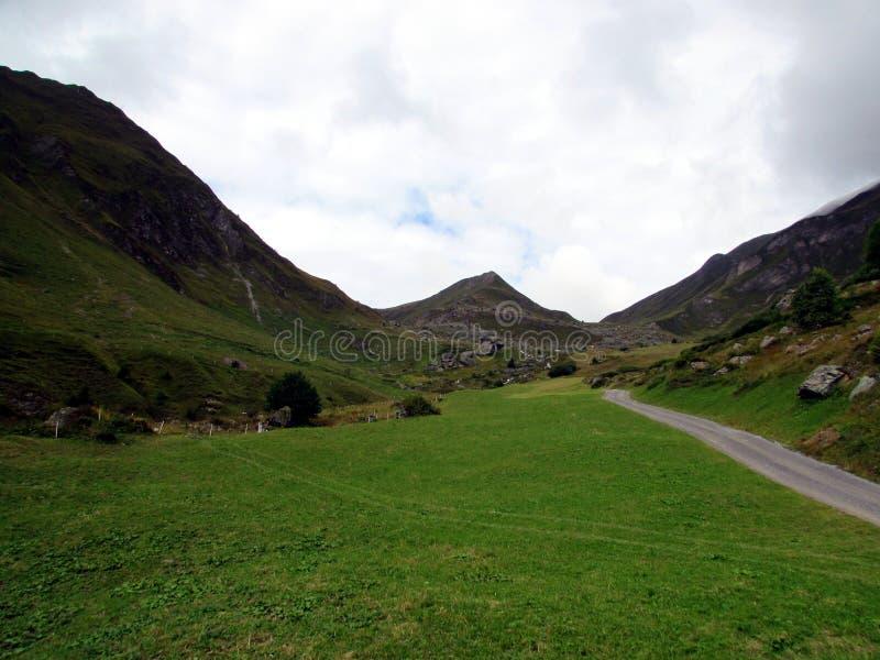 De weg aan berg royalty-vrije stock foto