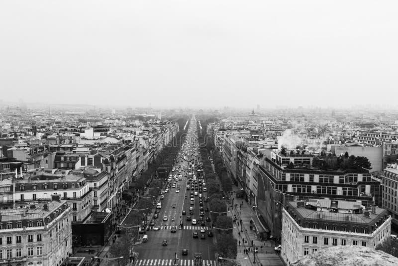 De Weg des champs-à ‰ lysées, de Stadshorizon van Parijs, Frankrijk stock afbeeldingen