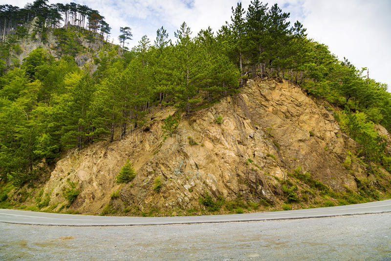 De weg langs de berg royalty-vrije stock foto