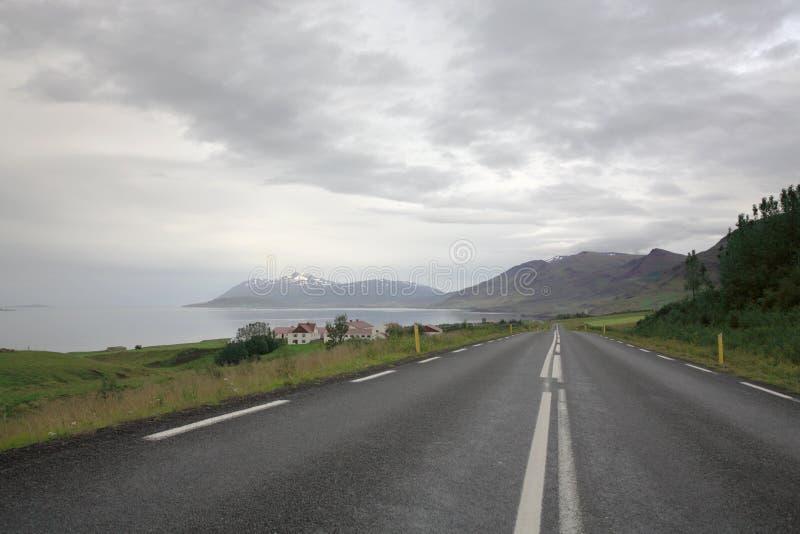 De Weg Noordelijk IJsland van de ring stock afbeeldingen